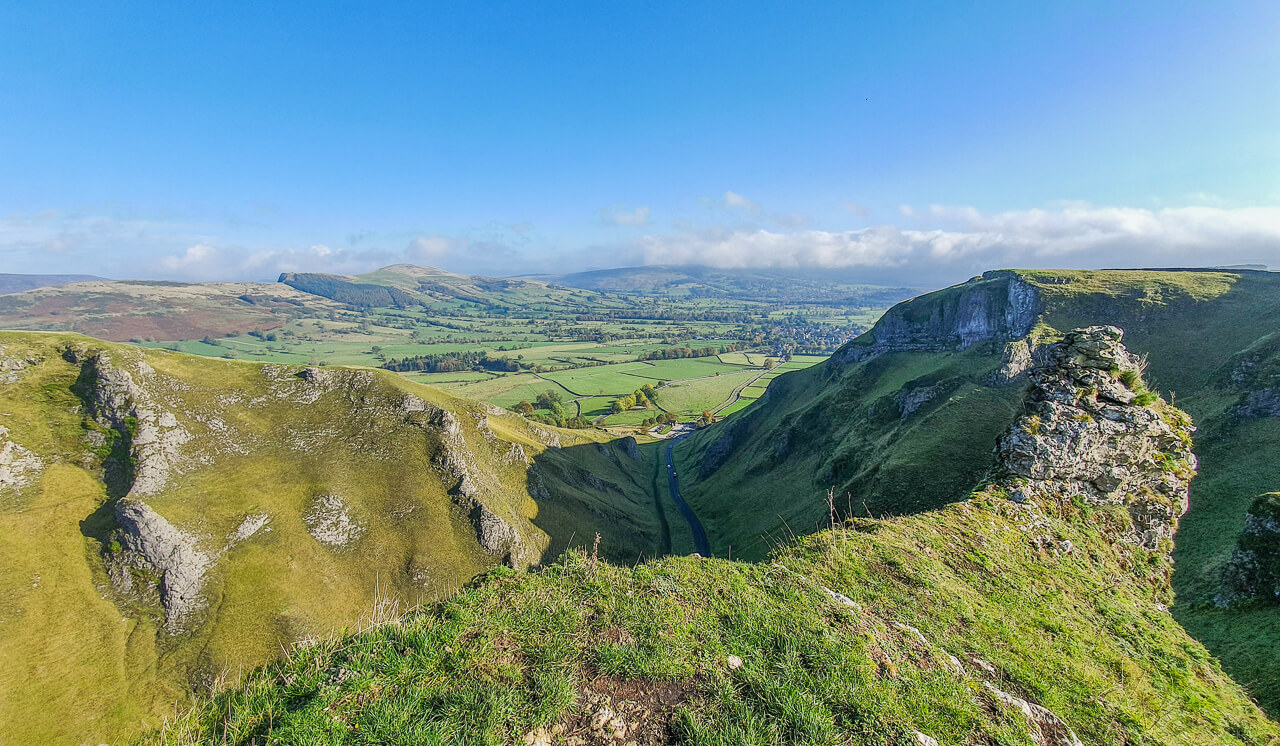 Winnats Pass Peak District scenic photo