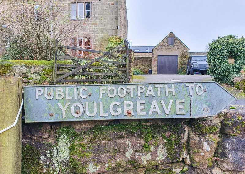 Public footpath sign to Youlgreave