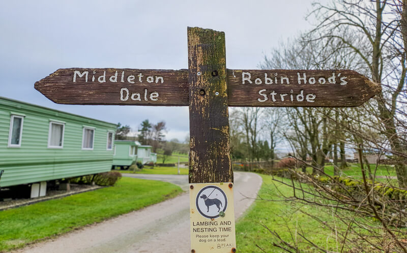 Sign to Middleton Dale and Robin Hood's Stride