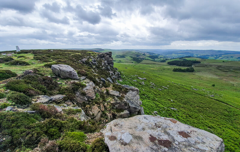 Views along Stanage Edge