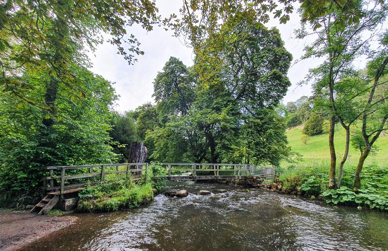 Footbridge at end of Beresford Dale