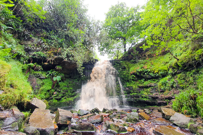 Waterfall walk in Peak District
