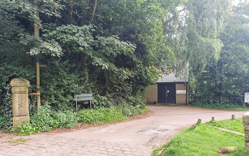 Public toilets near Hayfield Campsite