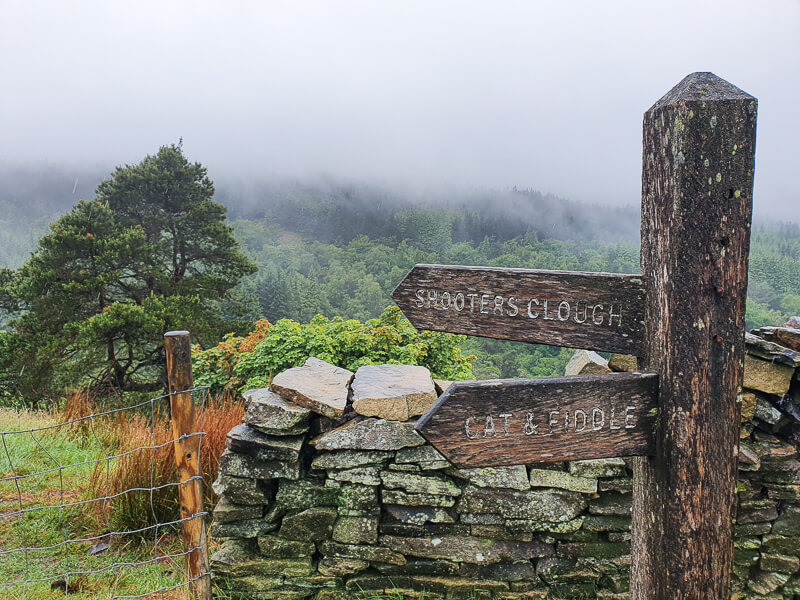 Signpost for Shooter's Clough