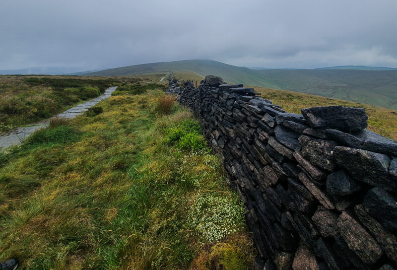 Drystone wall towards Shining Tor